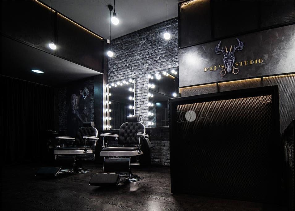 Contrastul dat de alaturarea unor caramizi aparente cu o vopsea decorativa lucioasa se integreaza perfect in acest Barbershop