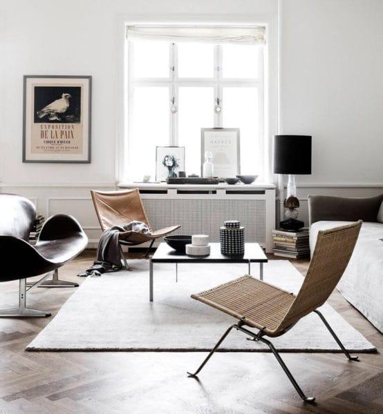 """Minimalismul, asa cum se foloseste acest cuvant acum, este diferit de stilul minimalist, super high-tech, pe care il stim de acum cativa ani.  Minimalismul se refera acum, in primul rand, la un stil de viata neconsumerist, in care suntem constienti de ceea ce cumparam si consumam.  Acest """"minimalism as a life-style"""" poate fi aplicat pe orice stil de design interior.  Sursa foto: https://fromluxewithlove.com"""