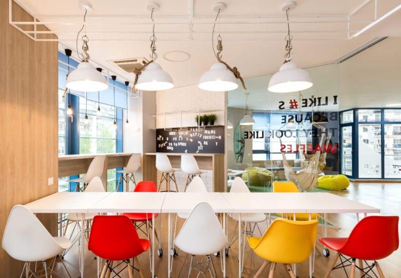 Zona de masa este foarte importanta pentru socializare si coeziunea grupului de angajati.