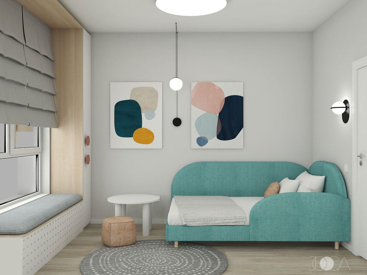 Camera copilului este colorata si jucausa.